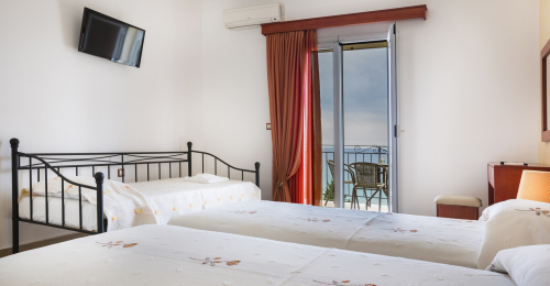 2 Rooms for 3 or 4 Adults | Alkioni Studios Trapezaki Kefalonia